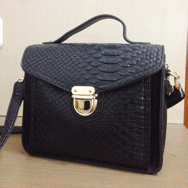 (REPRICED) Black Leather Sling Bag