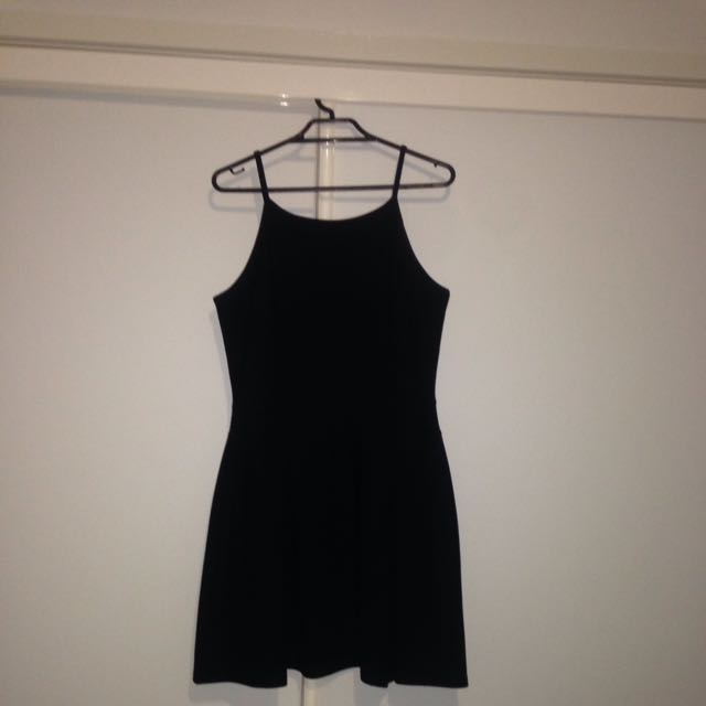 Boohoo Black Pleated Dress - Size UK 10