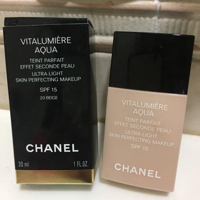 Chanel 活力光采保濕水粉底