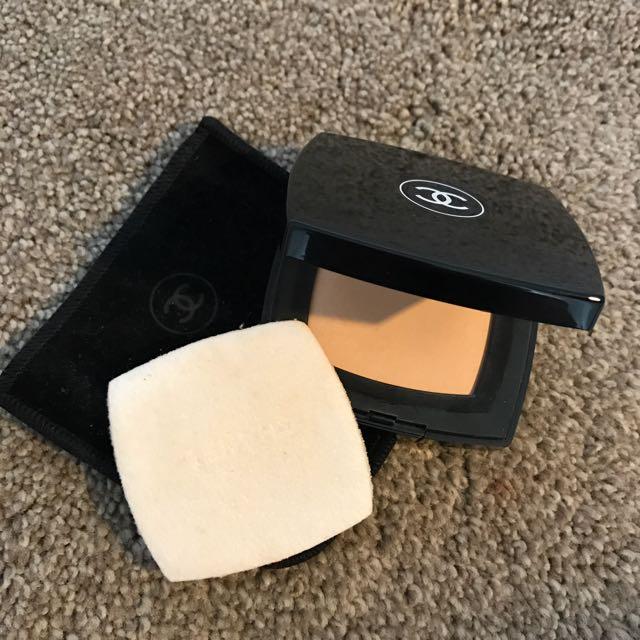 Chanel Universelle Compacte