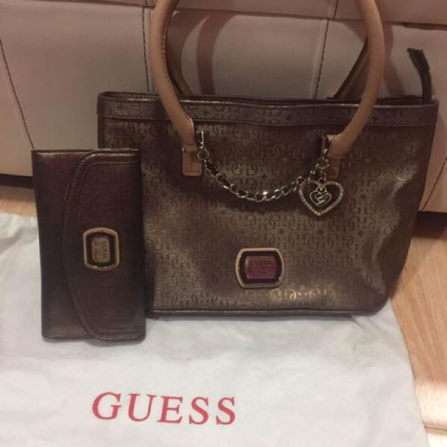 AUTHENTIC GUESS Brown Set