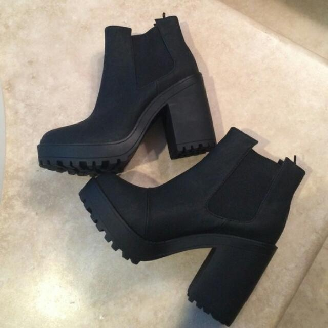 (REPRICE) H&M Black Ankle Boots