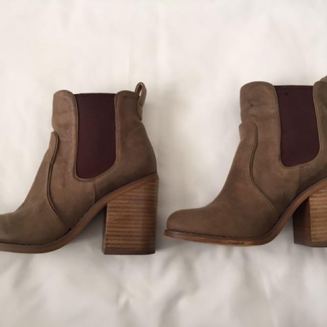 Lipstik Noelle Boots