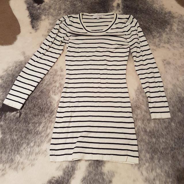 Lovely Girl Long Sleeve Knit Dress - Size Small
