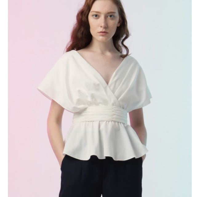 [NEW] Fabrica Store - White Petal Top - Free Size