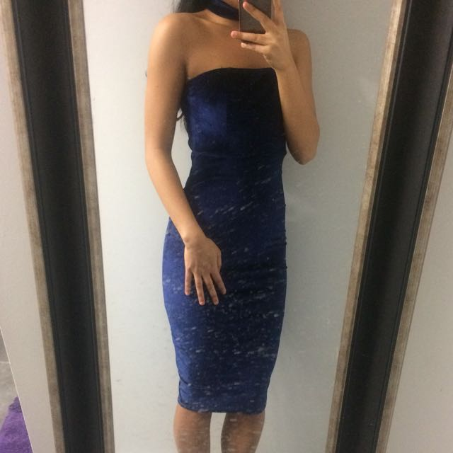 *Reduced* New Velvet Dress w/ Attached Choker