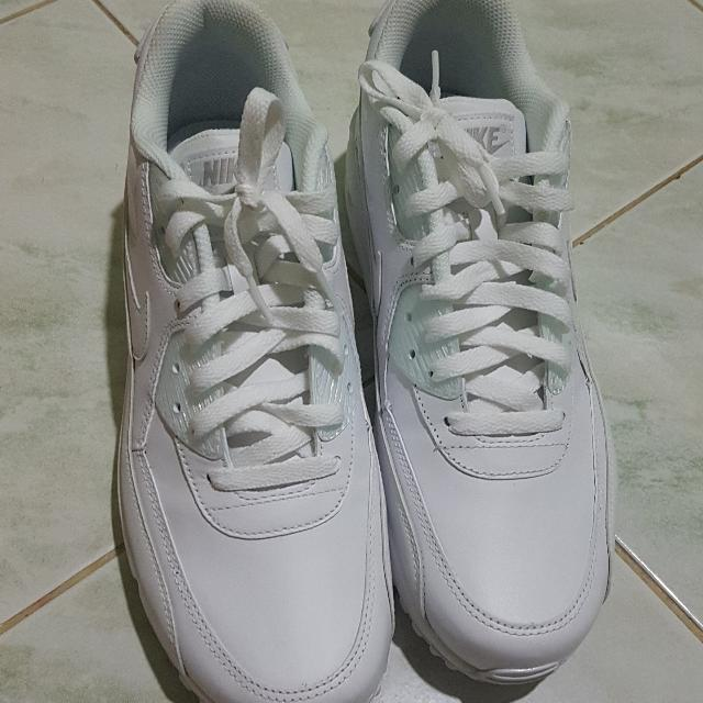 sports shoes c1790 2db36 NIKE AIR MAX 90 LEATHER TRIPLE TRUE WHITE, Men s Fashion on Carousell