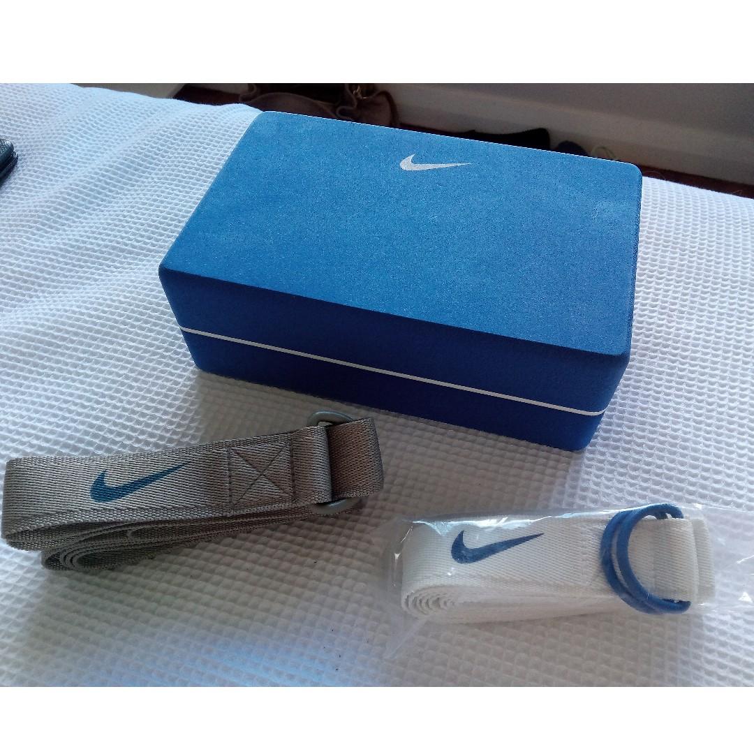 Nike Yoga Set