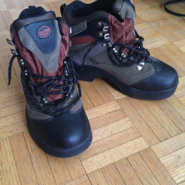 Red Head Boy's Outdoor Shoes