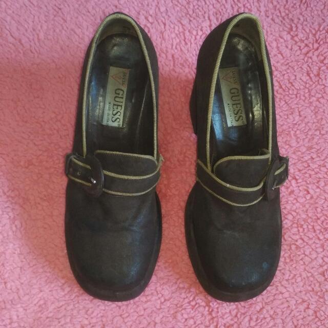 Reprice Sepatu Guess