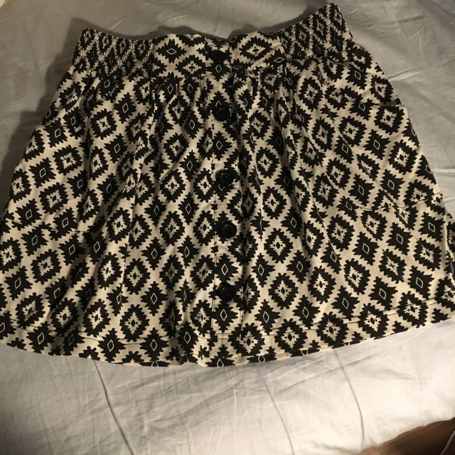 Super Cute Forever 21 Skirt M