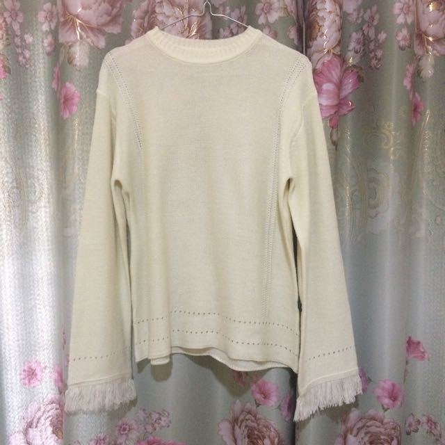 Sweater Rajut Fringe