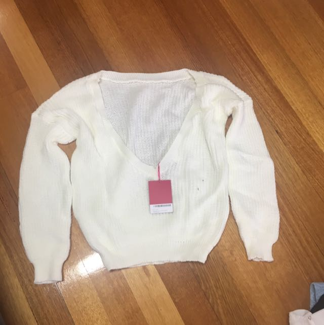 Sweater V Low Back Cream Size S-M