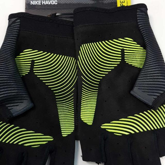 Women's Nike Havoc Training Gloves Brand new