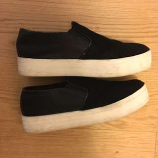 *Reduced* Steve Madden Platform sneakers