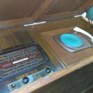 1940's Antique Radiogram