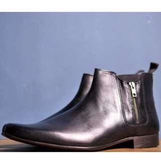 【全新】英國品牌 ASOS Zip Chelsea Boots 黑色短靴子 鞋 尖頭 超時尚 拉鍊 方便穿脫