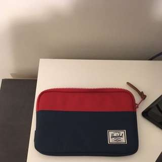 Hershel original Colour Way Pouch/ Fits iPad Mini