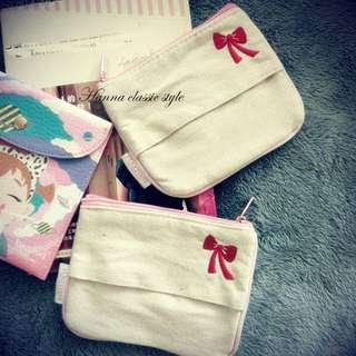 《出清商品》日本款蝴蝶結刺繡紙巾零錢包
