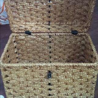 Wicker storage bin