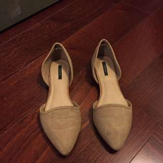 Forever 21 Nude Suede Flats