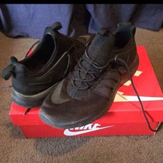 Size 10 Nike Darwin