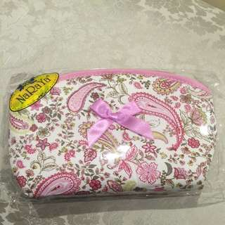 NaRaYa Toiletries Bag