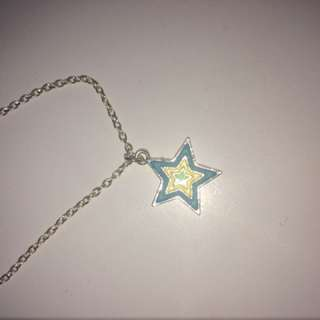 Claire's Glow In The Dark Star Necklace