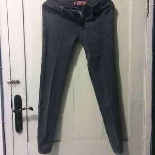 celana Jeans Three second