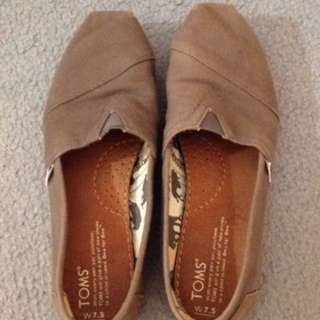 TOMS Grey Womens Size 7.5
