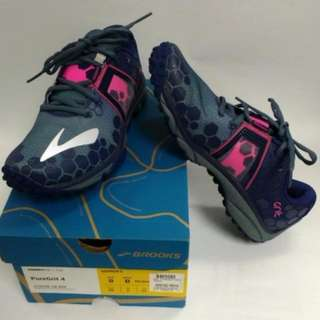 Brooks PureGrit 4 Trail Running Shoes (Women's size 8)