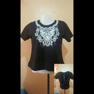 Aztec Shirt With Slit On The Back