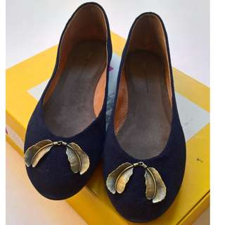 Pilcro and the Letterpress navy blue suede ballet flats size 8