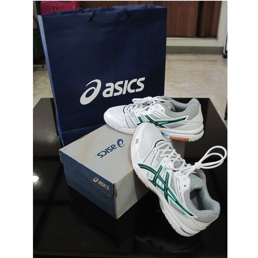 Asics Gel Rocket 7 (size 9.5) Women