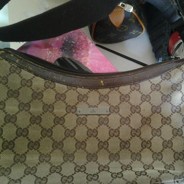 AUTHENTIC GUCCI SIDE BAG!!!