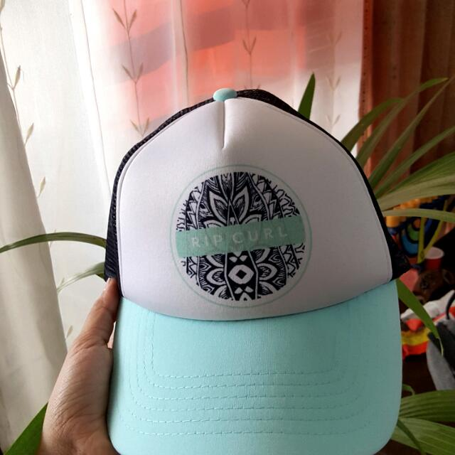 Authentic Ripcurl Trucker Cap