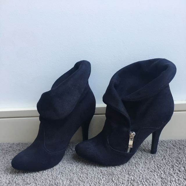 Black Suede Boots Size 7