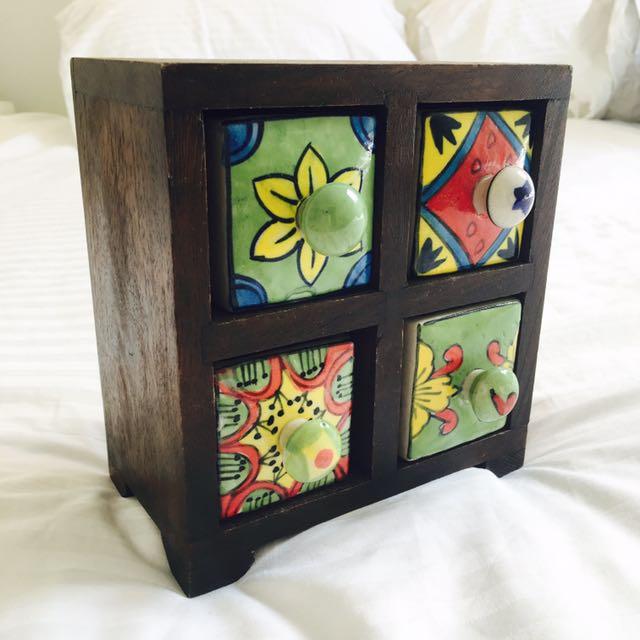 Bohemian Style Cube Shelf