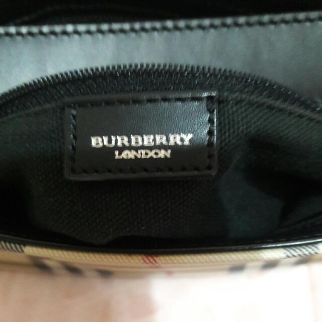 降價,英國製BURBERRY 手提肩背包,狀況良好。無暇疵。