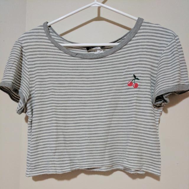 lose crop shirt