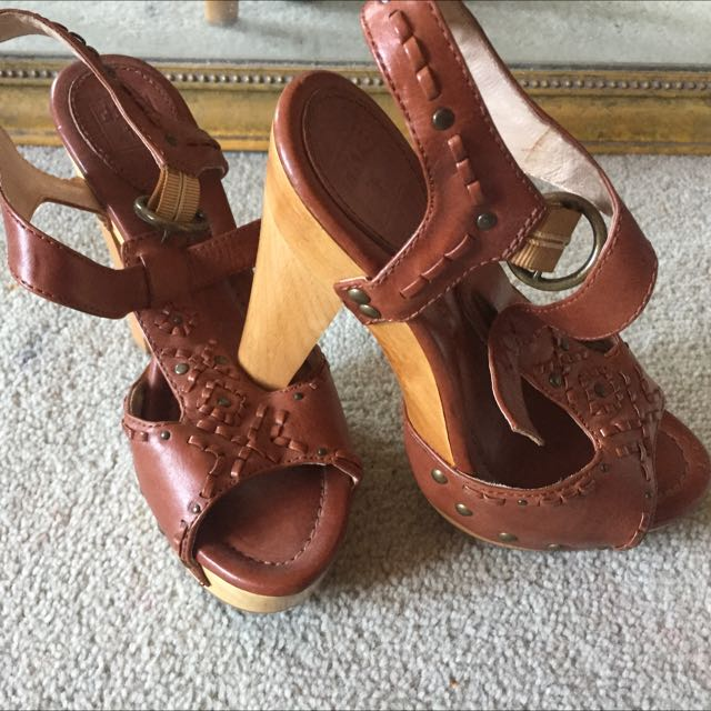 Gorgeous 'boho' brown leather platforms