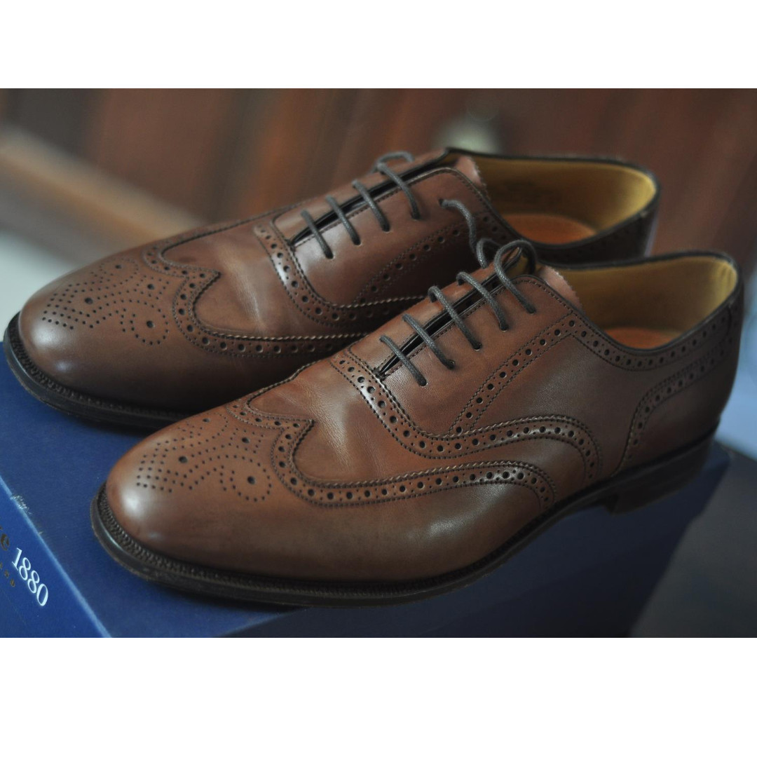 Made in ENGLAND Loake 1880 Men s Dark Brown Leather Brogue Shoe ... c6766a6e3b