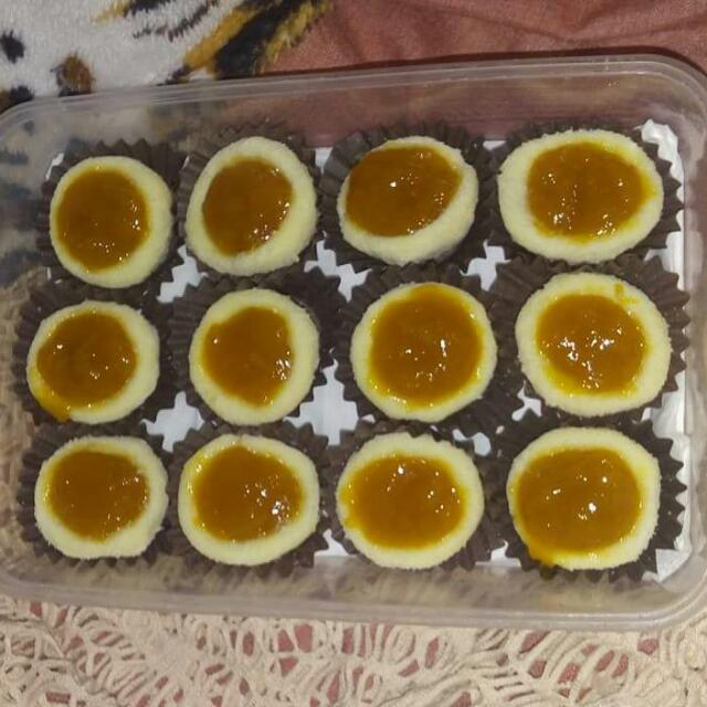 Mango Jam-filled Pastillas