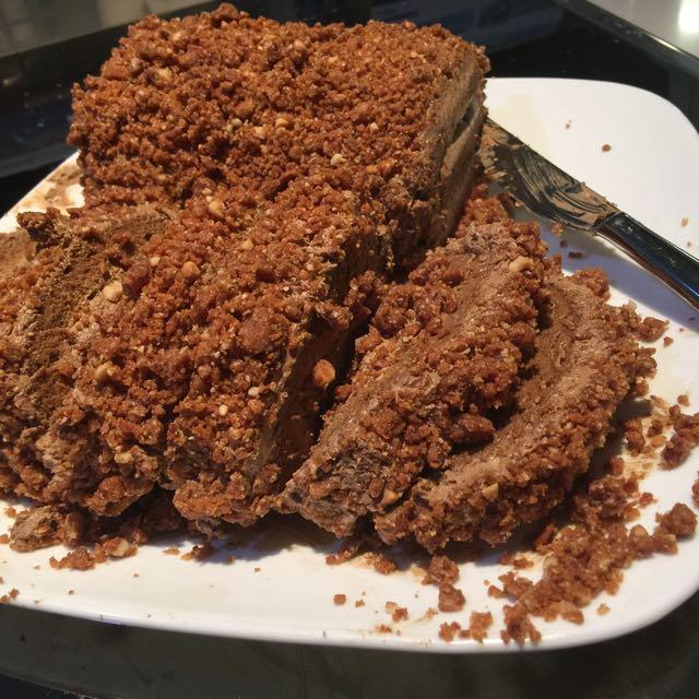 "Mocca Nougat Roll Cake 28"""