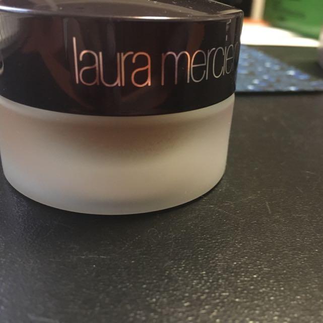 New Laura Mercier Créeme Smooth Foundation
