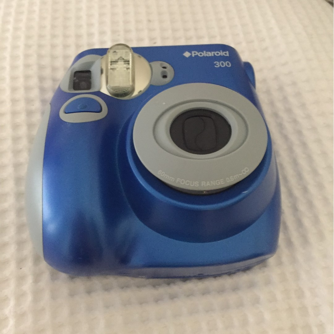 Polaroid 300, Photography on Carousell
