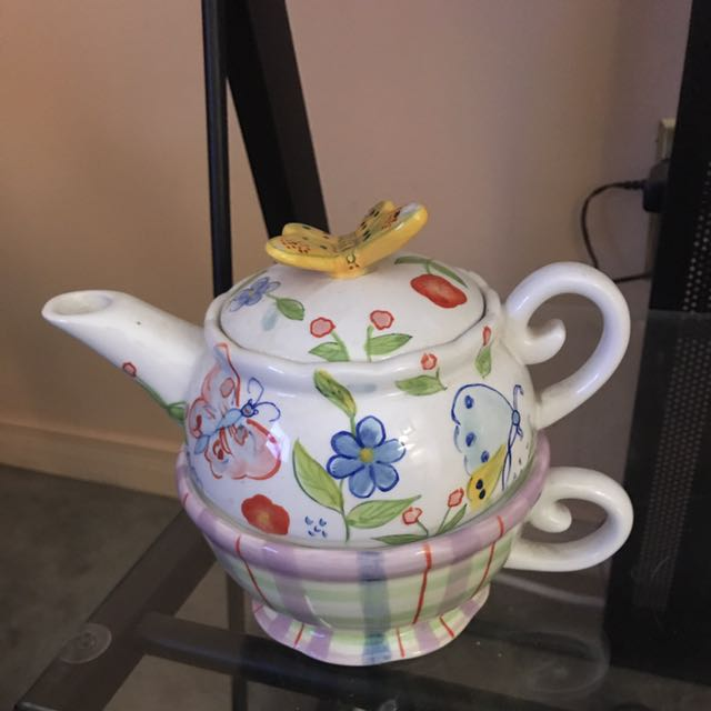 Spring Teapot And Cup