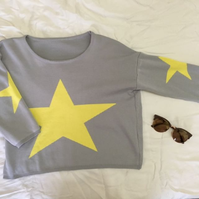 Yellow Star 3/4 Long Sleeve Crop Top