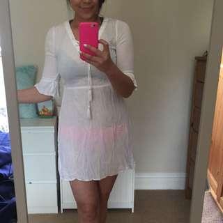 全新 H&M 夏天到了 比基尼內穿 就可以出發海邊了!胸綁帶白洋裝