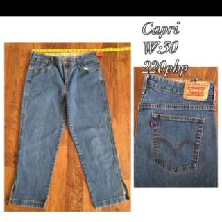 Levis Pants W-30